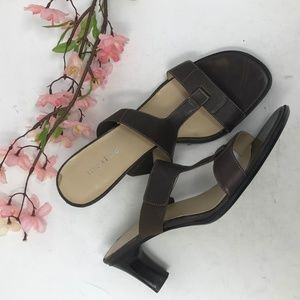 Maripe Brown Leather T Strap Heels Sandals SO Cute